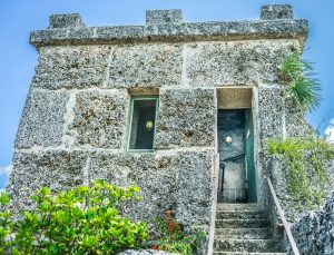 The house at the coral castle