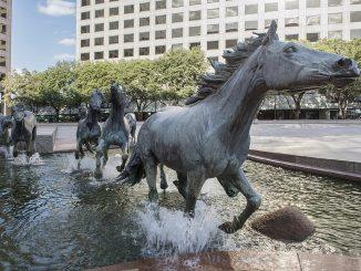 Mustangs at Las Colinas Sculpture